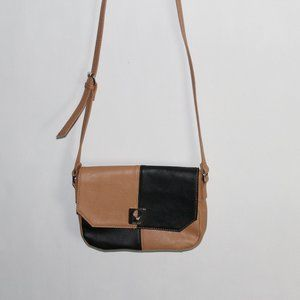 #0079       NINE WEST BLACK &TAN  SHOULDER BAG